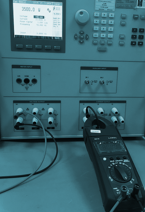 Calibration of power and energy meters